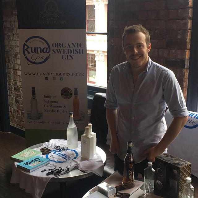 It's not just about the established brands but showcasing #newgin and giving small independent producers a free platform @runagin #organic #swedishgin from independent distributors living in @jqbirmingham pop along to @buttonfactorybirmingham to hear more in Zone 2 dodging the  #greatbritishweather