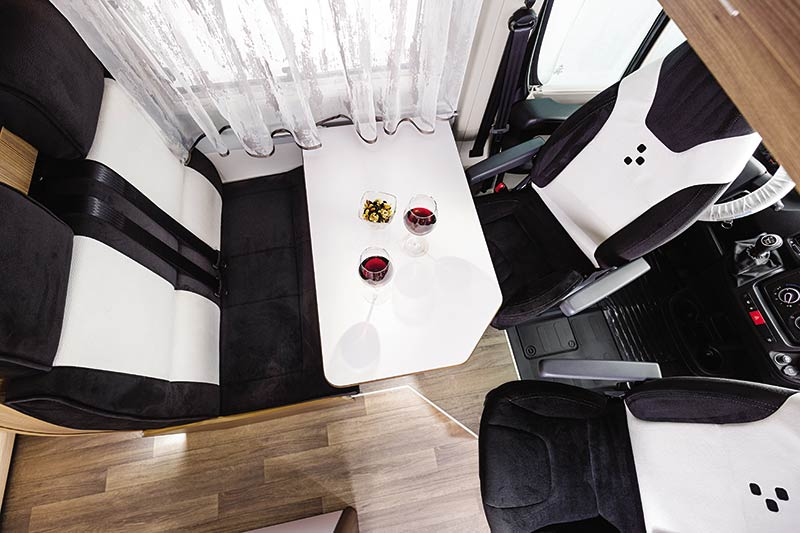Swan-599-E30-Table.jpg
