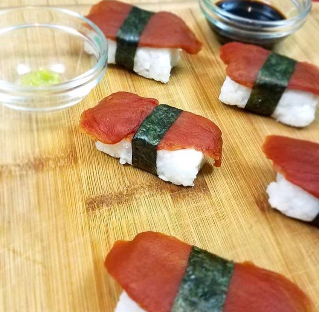 Love this shot of one of our favorite products we distribute: Ahimi made by @oceanhuggerfoods 🐟 Looks and tastes just like raw tuna but it's actually 100% vegan and made from tomatoes. Wanna see this stuff in some ATX restaurants or eateries? Tag your favorite sushi or poke spots and we'll try to hook it up for y'all 😎 📸: @veganbunnylady . . . . . #sushi #tuna #ahituna #ahimi #friendsnotfood #vegan #vegetarian #plantbased #atxvegan #austineats #atxeats #keepaustinweird #keepaustineatin #vegansushi #veganfood #veganrecipe #healthy #atx #austintx #dfweats #dallaseats #sanmarcos #texasvegan #pokebowl #seafood