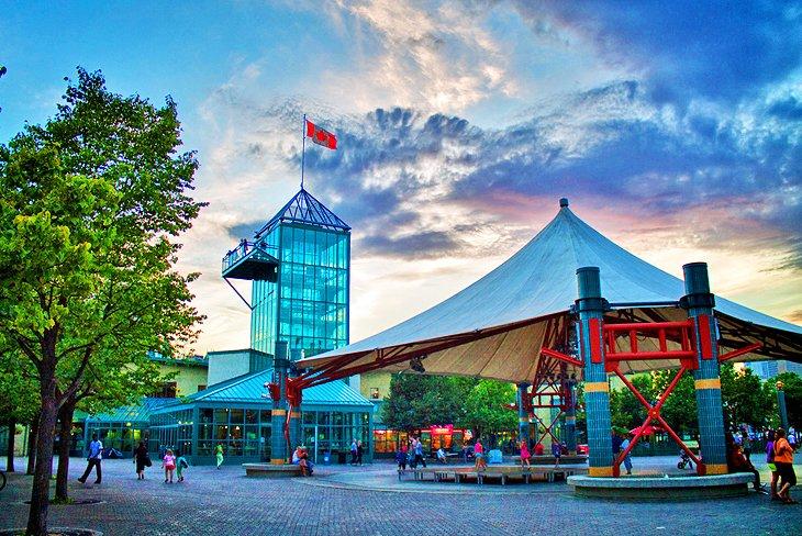 Forks, um dos mais famosos pontos turístico de Winnipeg.