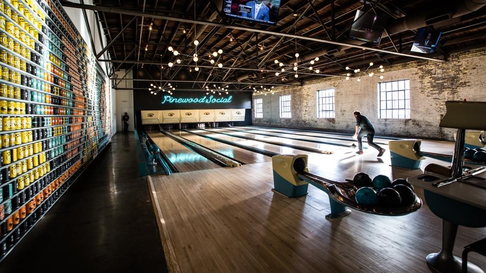 BowlingAlley-9946.jpg