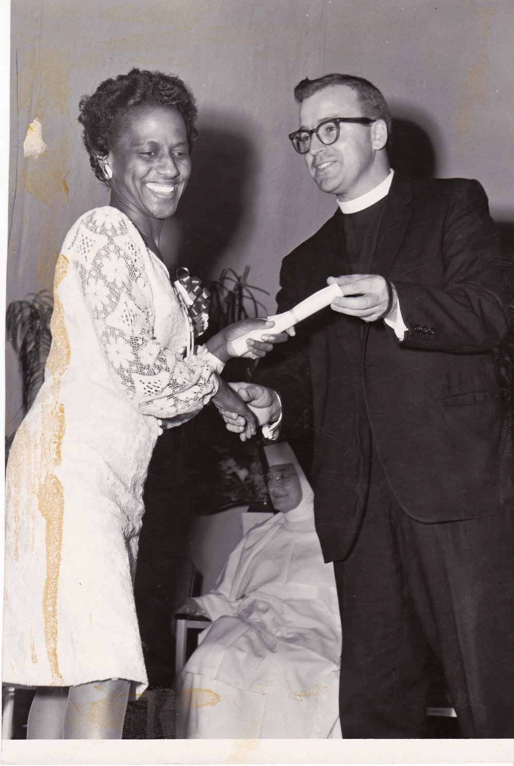 '67 Cleo Grant and Father Timothy Gibbons