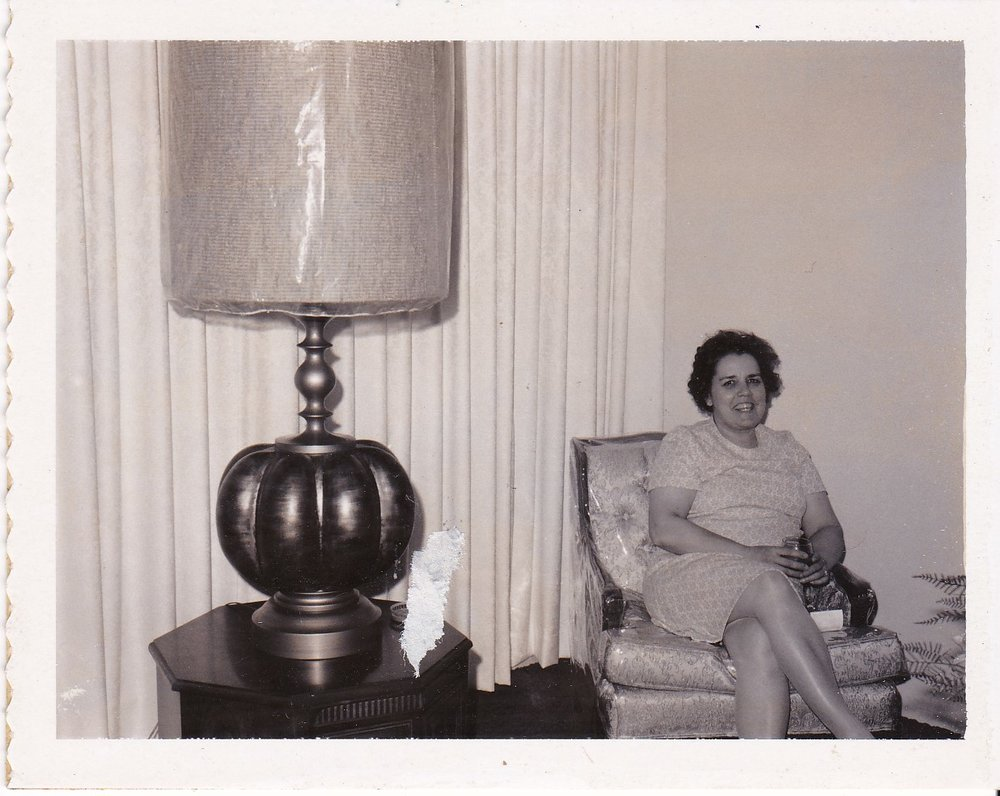 '68 Alice Geoffray visiting at Shirley Wright's home