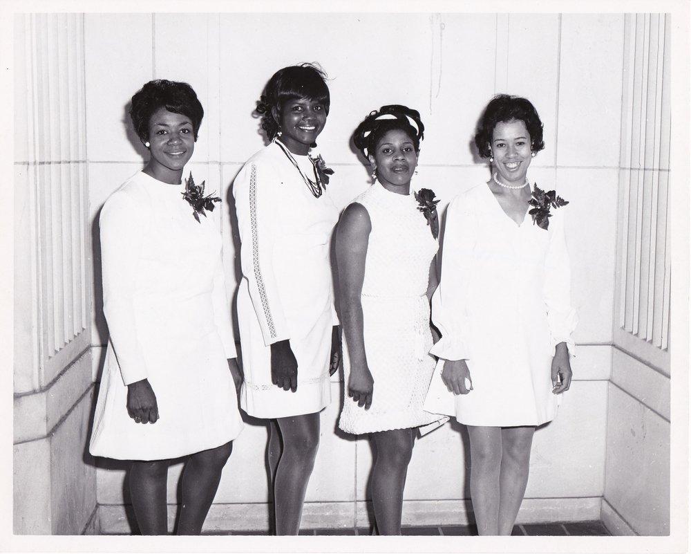 '70 Elisa Cole, Student, Florine Washington, Myrtle Cutno