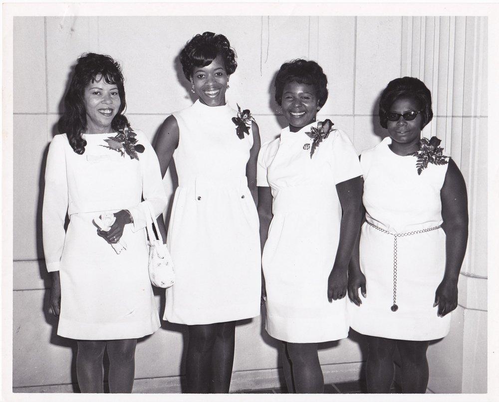 '70 Student, Carolina Smith, Dorothy Gibson, Mildred McCormick