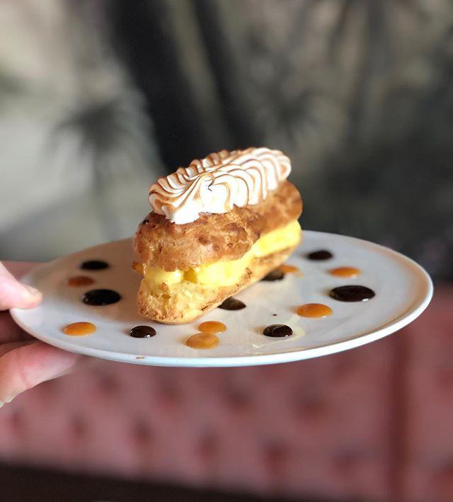 Dessert Heaven 🌈🌴 Passion Lemon Meringue Eclair 😋