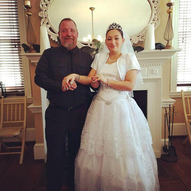 Congratulations Sam and Christina Robertson! #smallwedding #intimatewedding #ceremony #weddingceremony #weddingchapel #weddkng venue #justmarried