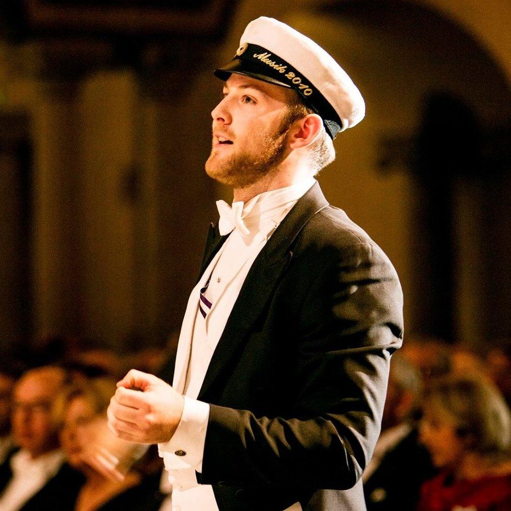 Jakob under ett av körens framträdanden i Blå Hallen i Stockholm Stadshus under Handelshögskolans diplomerings ceremoni.