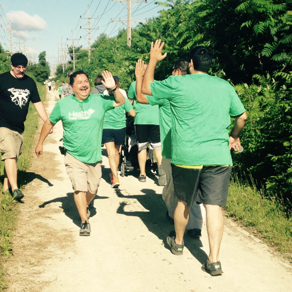Mayor Pineda greeting walkers