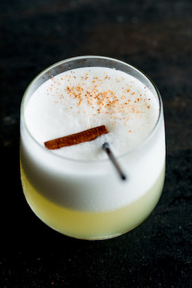 Ginger me - Absolut vodka, freshly squeezed lemon juice, gingerbread and cinnamon topped with nutmeg