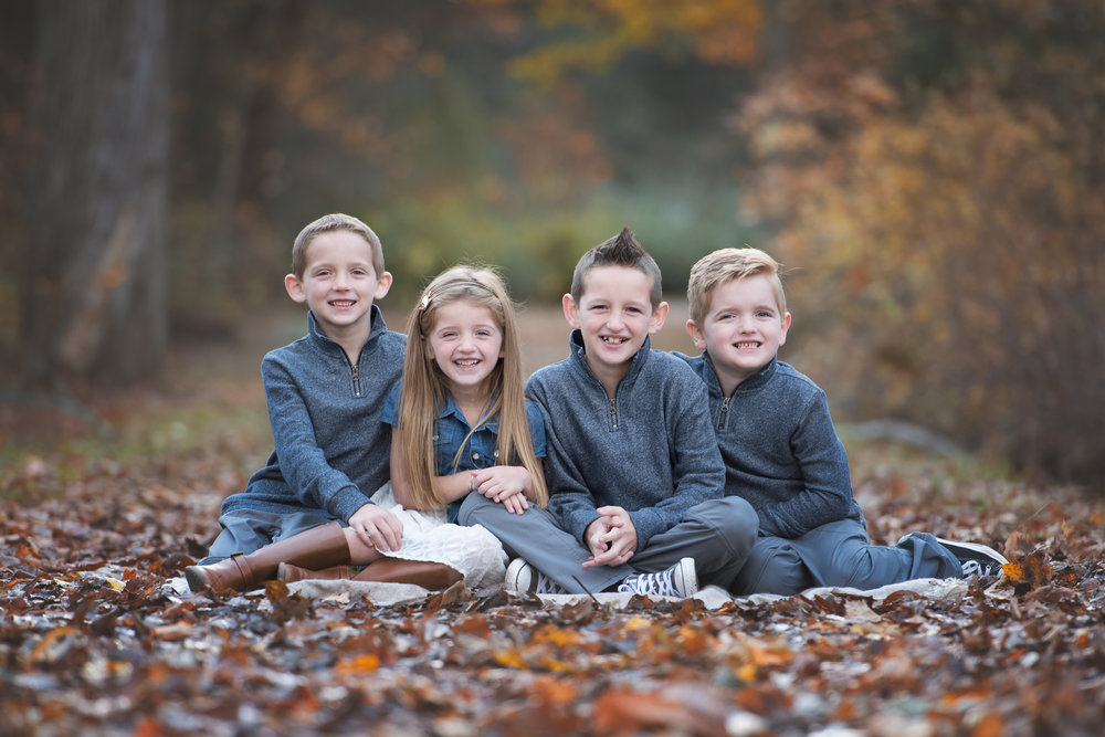 Four Siblings in Path Fall Photo Mini Session