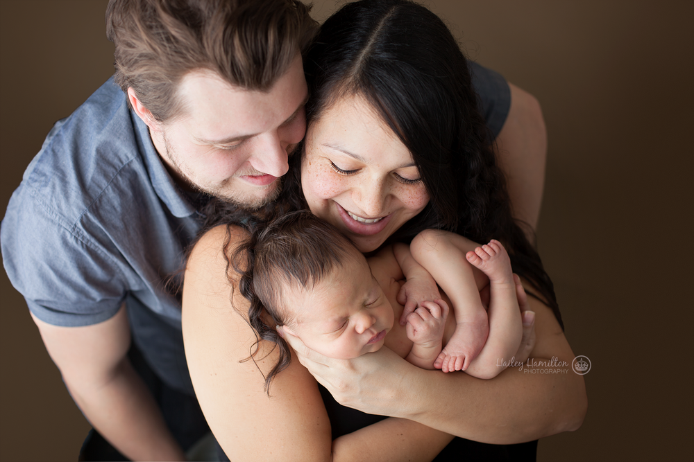 professional-newborn-photographer-SE-Calgary-portrait-studio.png