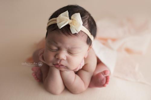 Calgary newborn photography studio neela