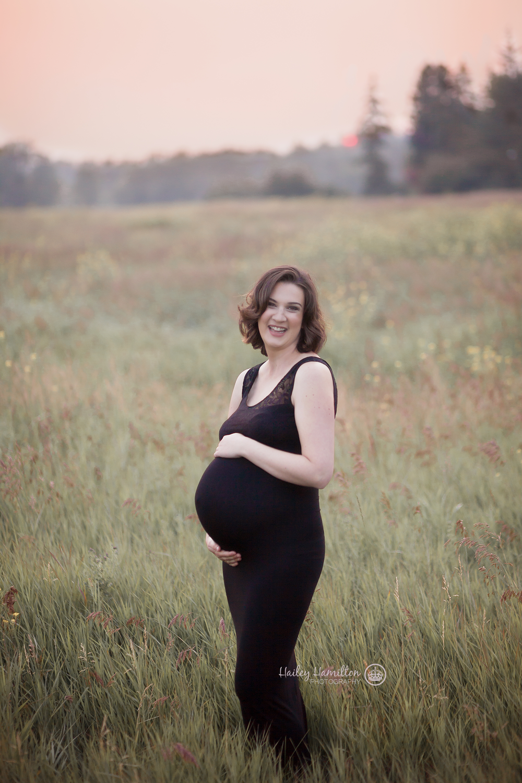 Newborn-maternity-photographer-Okotoks-Calgary-Airdrie-1.png