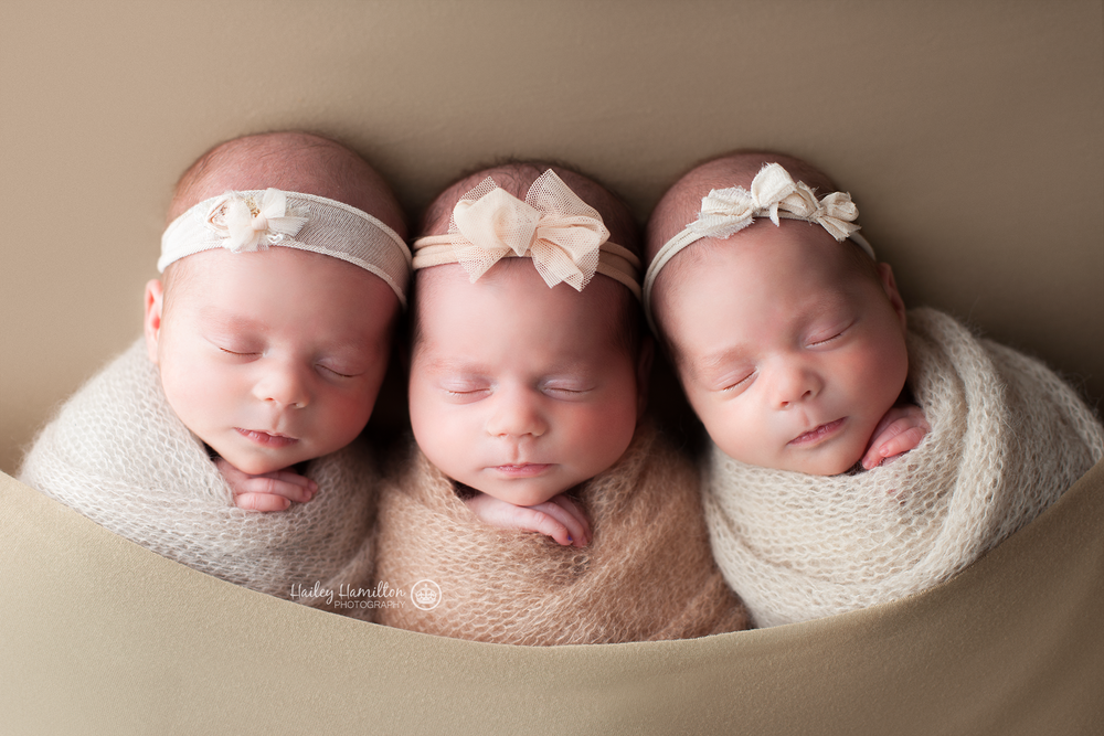 Newborn-photographer-Calgary-twins-triplet-baby-photography-photos.png