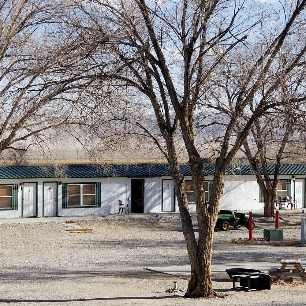 Motel, RV & Camp - Whispering Elms