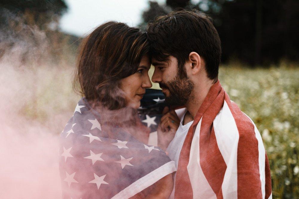 Couple, Smike, Cannabis - Image.jpg