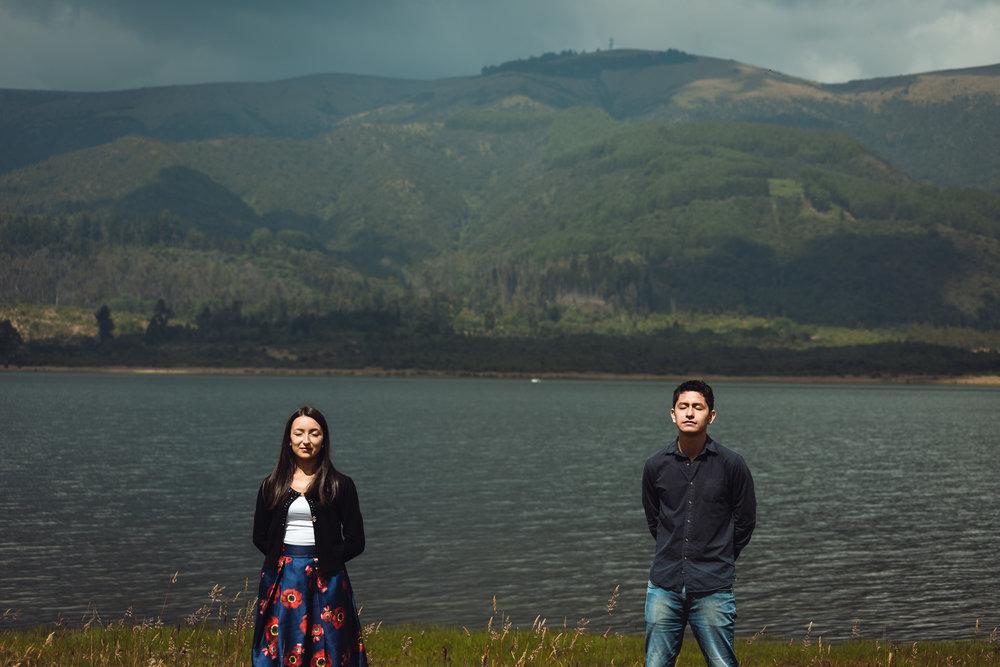 Ágela y Charly   Sesión Fotográfica de Pre-Boda con Jairo Toro Fotógrafo. Viajamos al Embalse del Neusa en Cundinamarca, Colombia. Conoce un poco de nuestra aventura con Ángela y Charly y ve algunas fotos que resultaron.