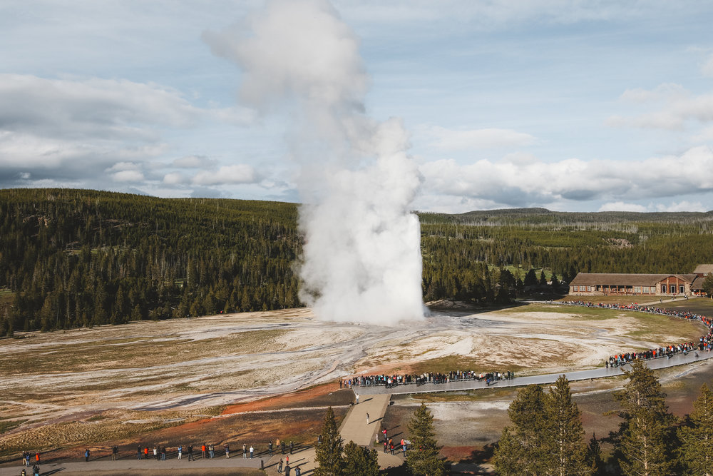 Yellowstone National Park - Old Faithful Geyser