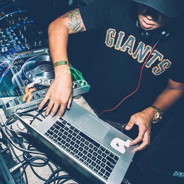 I will be your music selector at the new @harlotsf on Saturday night. Let's go! 💻 👈🏽🔥🍾