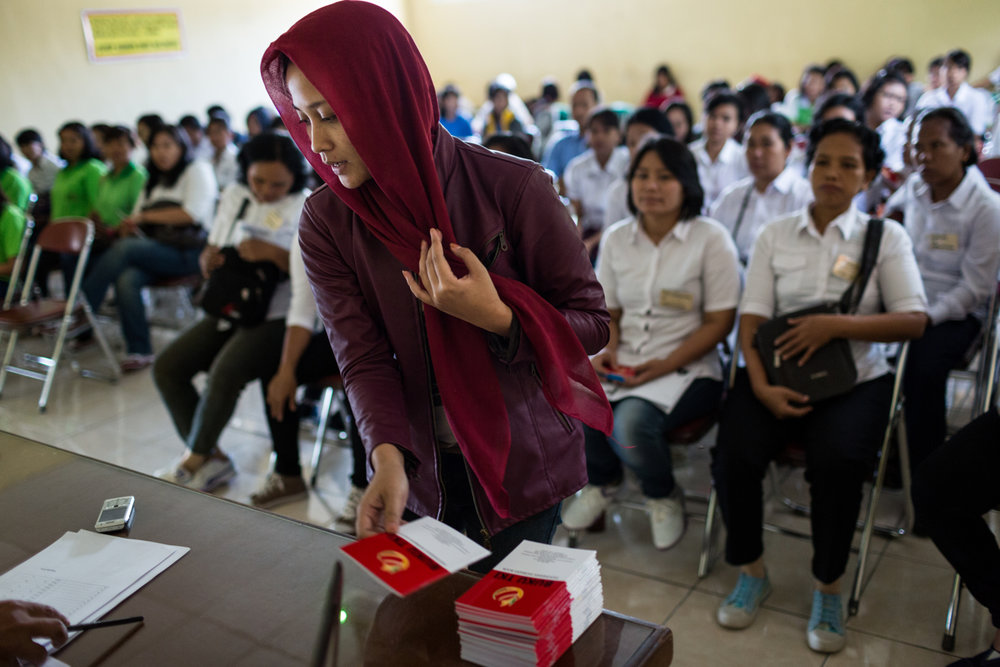 May 05, 2014 - Semarang, Indonesia. Future migrant workers attend a mandatory day of classes at BP2TKI before leaving to work overseas. © Nicolas Axelrod / Ruom