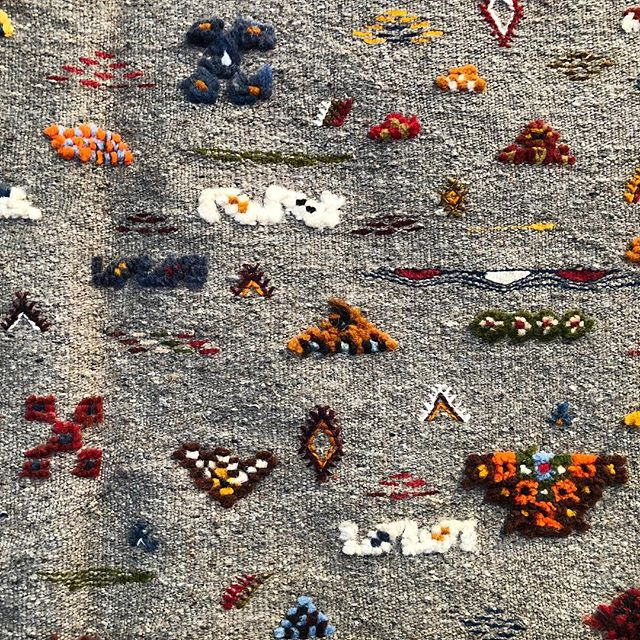 💠Moroccan Textures💠 ••••••••••••••••••••••••••••••••••••••••••• #handmade #artisans #artisanisthenewluxury #inspiration #ethicalfashion #sustainablefashion #nofilter #rug