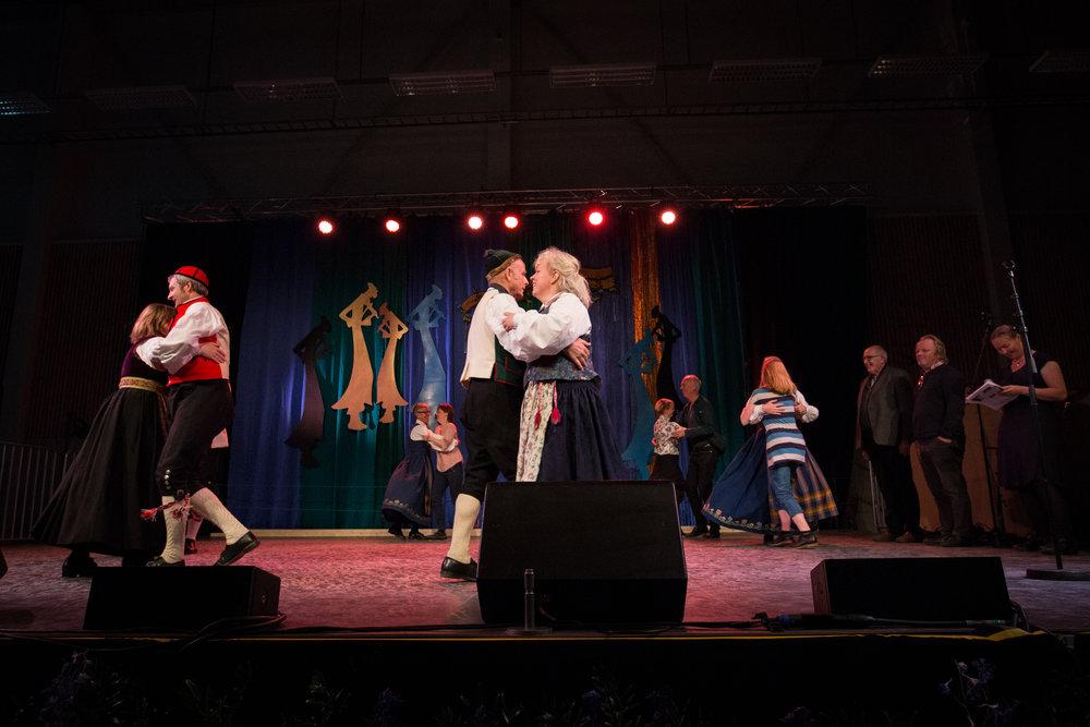Takk til dansere fra Nord-Norge og Numedal som danset sine varianter av Stiger til arkivopptak av instrumentet positiv. Begge dansene er eksempler på tradisjoner som kan føres på den nasjonale lista. Foto: Runhild Heggem