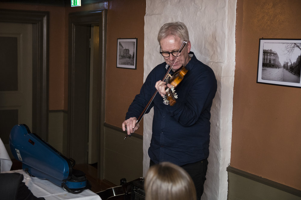 Rff- prisen 2017 ble delt ut til Leiv Solberg, ansatt i en årrrekke i NRK Folkemusikk og en habil spelemann!