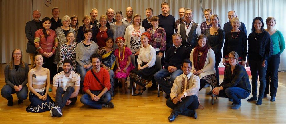 Kursgruppen har representanter for samer, romani/ tatere, arkiv, museer, utdanninger, eksperter og akkrediterte NGOer og deltakere fra Sverige, Danmark, Finland, Island og Grønland.