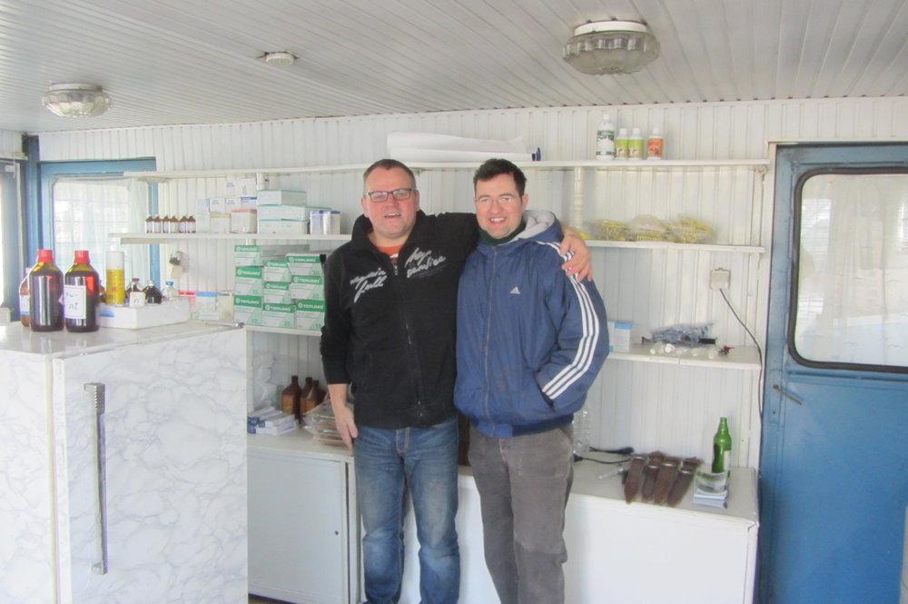 Markus Raabe und Dr.Alexander in der neuen Equiwent-Station.