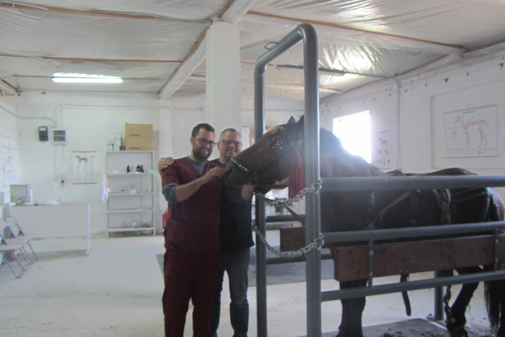 Dr.Alexander und Markus Raabe in der Klinik