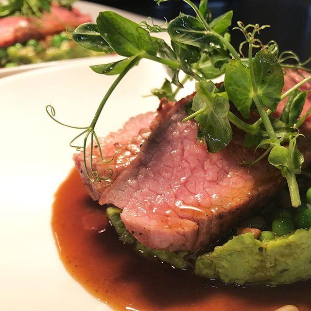 Vi søker kokk /souschef til vår cateringavdeling.👨🏻🍳 Gode betingelser. Du bør ha førerkort. 🚗 Send søknad til catering@flavours.no