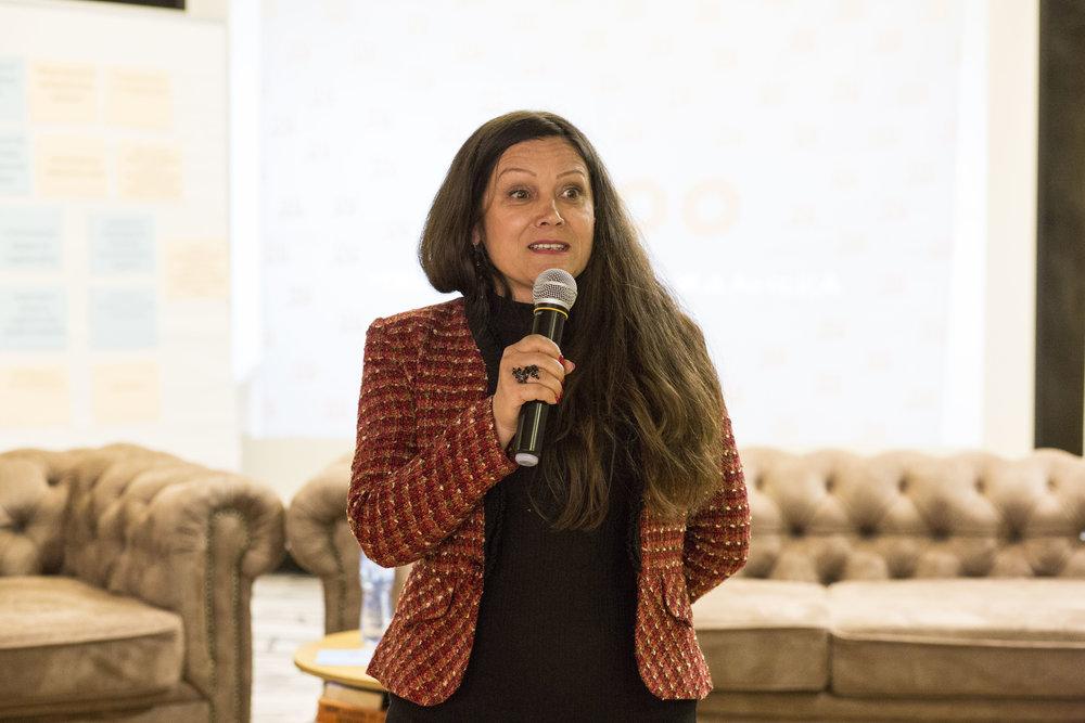Мария Методиева - член на Инициативния комитет.