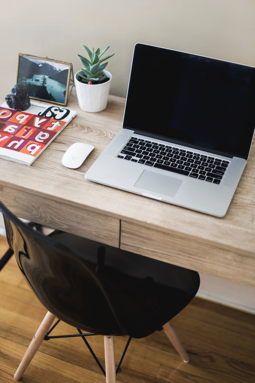 Mosaico Digital como Hub - O Mosaico Digital funciona como um hub que concentra e conecta todos os elementos fundamentais de uma educação moderna. Nós criamos um hub de mestres, que conecta alunos e escolas com os melhores educadores ao redor do mundo.O hub de projetos concentra tudo o que foi desenvolvido nas nossas escolas, gerando uma importante fonte de referência que permite a criação de projetos cada vez mais criativos e eficazes. O Mosaico Digital também funciona como um inventário dinâmico de conteúdo educacional, combinando referências, recursos, práticas, ideias, produtos e mestres ao redor de competências e conteúdos.