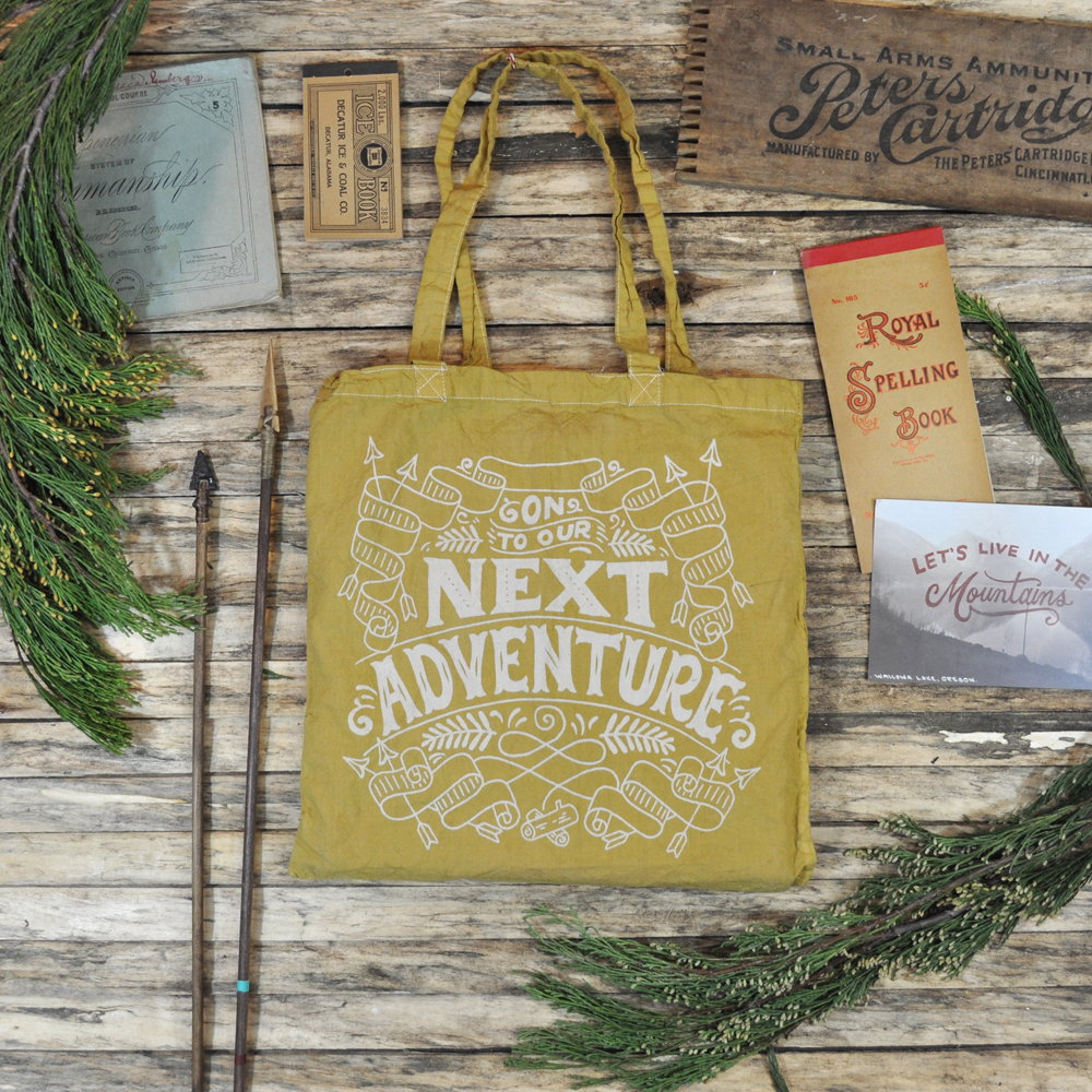 Winter_Cabin_Yellow_tote_01.jpg
