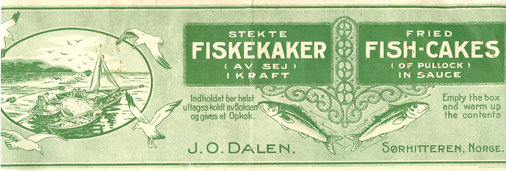 Etikett:  Fra fiskekaker produsert på fabrikken til Johan O Dalen. I tillegg til fiskekaker, produserte også Dalen krabbehermetikk. Johan O Dalen var en av de tidligste til å begynne med krabbehermetikk på Hitra og Frøya. Utlånt av Anne Johanne Dalen Stensø