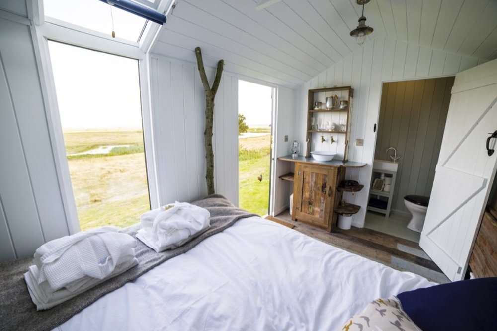 bed-dresser-with-a-view-and-a-loo.jpg