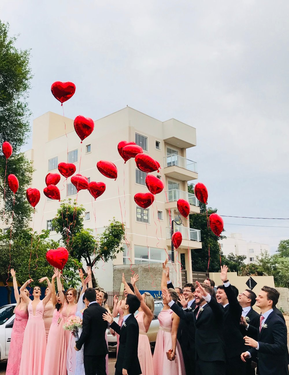 adult-balloon-balloons-673659.jpg