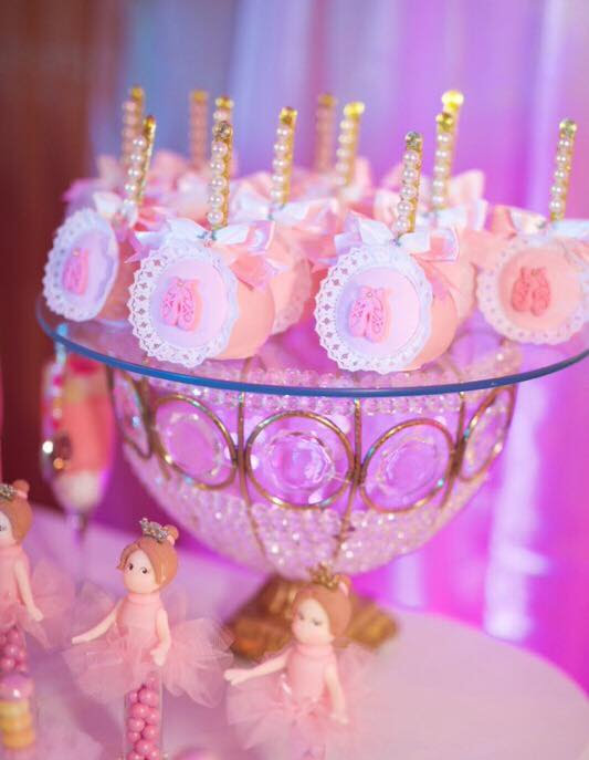 Ballerina Shoes Cake pop