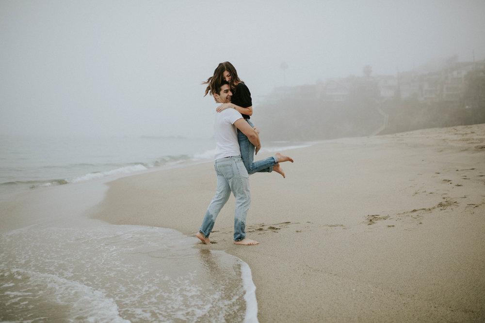 Sarah&EJ--Beach-11.jpg