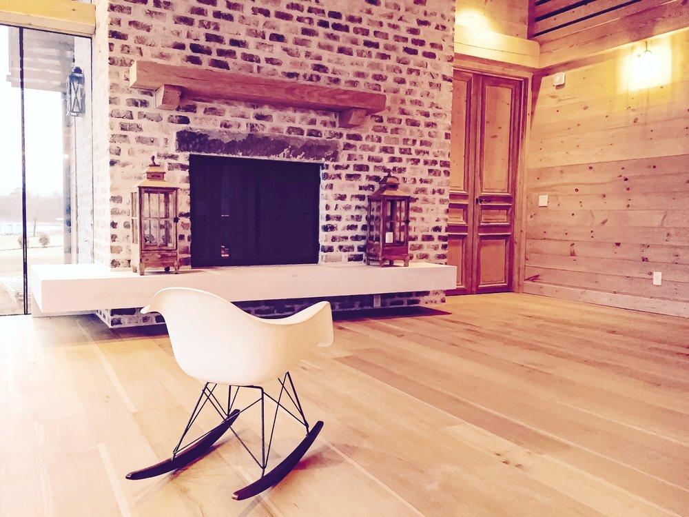 Eutree Forest Free white oak hardwood wide plank quartersawn flooring