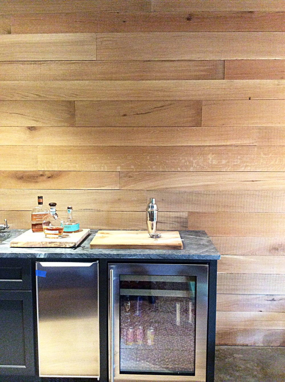 Eutree Forest Free White Oak Wood Wall Paneling Feature Accent Wall