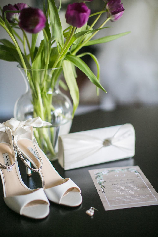 redlands-mitten-building-wedding-photographer-carrie-vines-003.jpg