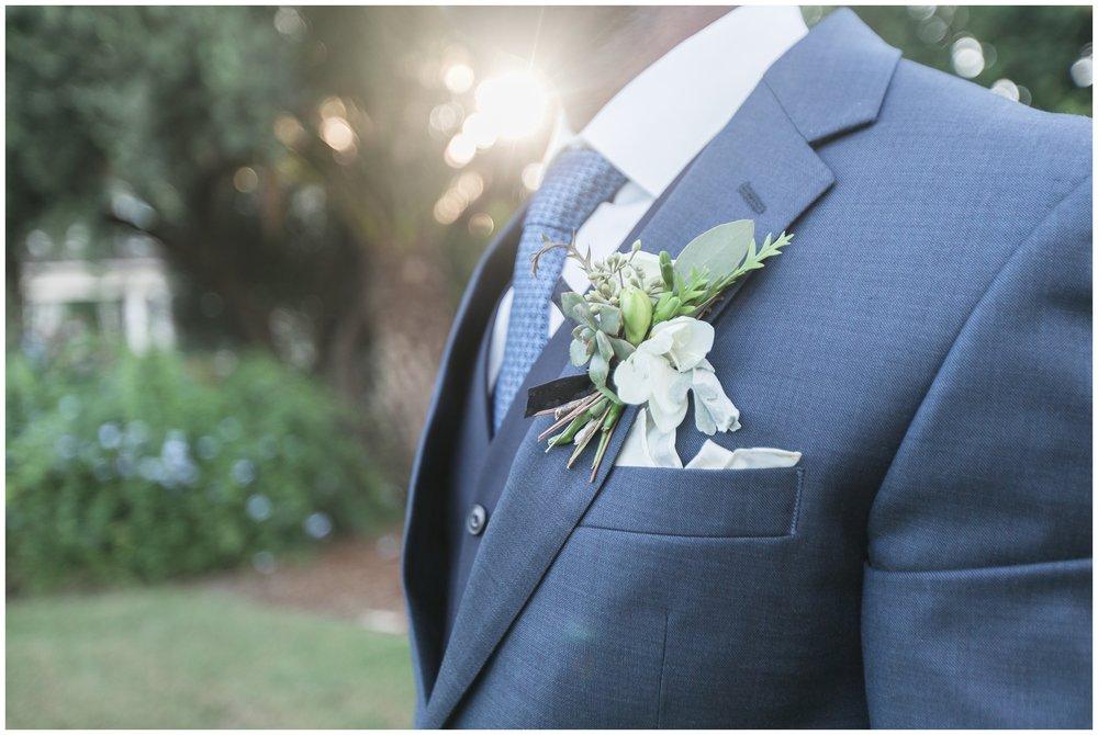 christmas house wedding bride and groom portraits burgandy flowers carrie vines
