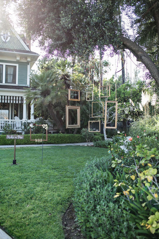 glamorous-jewel-tones-christmas-house-wedding-carrie-vines-011.jpg