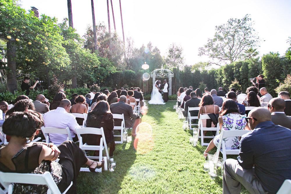 glamorous-jewel-tones-christmas-house-wedding-carrie-vines-015.jpg