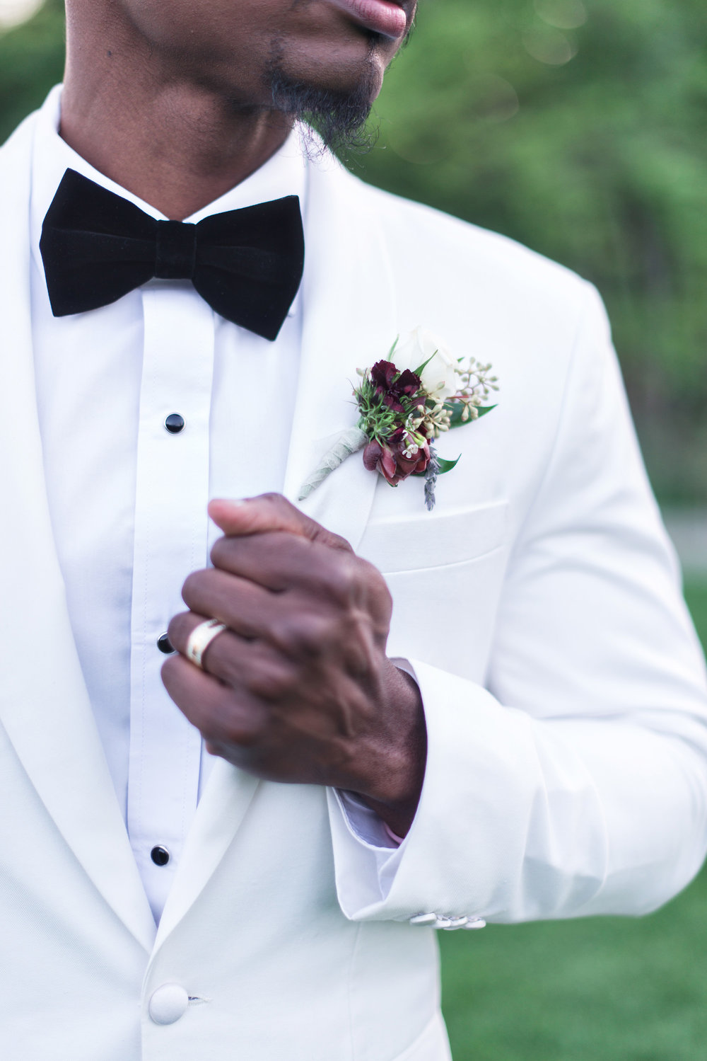 glamorous-jewel-tones-christmas-house-wedding-carrie-vines-021.jpg