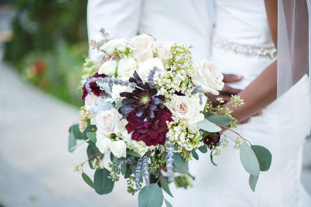 glamorous-jewel-tones-christmas-house-wedding-carrie-vines-022.jpg