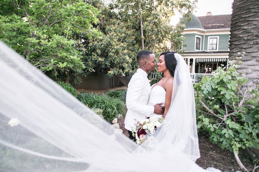 glamorous-jewel-tones-christmas-house-wedding-carrie-vines-030.jpg
