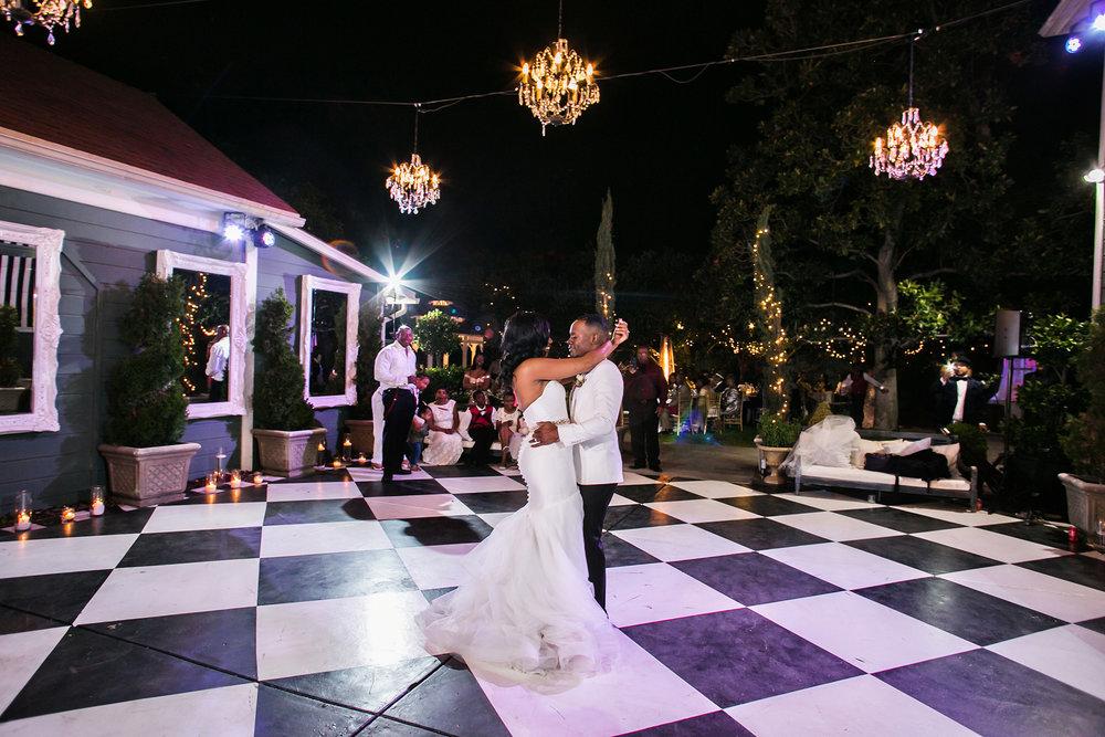 glamorous-jewel-tones-christmas-house-wedding-carrie-vines-039.jpg